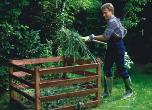 Приготовление компоста в саду