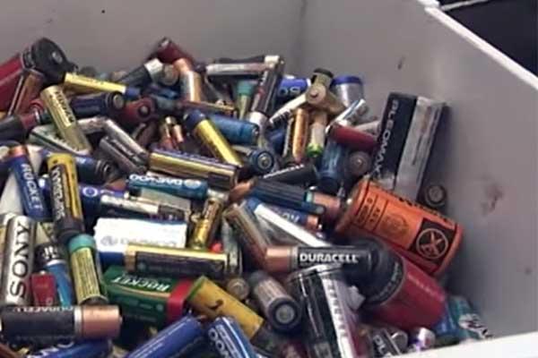 Отработанные гальванические батарейки