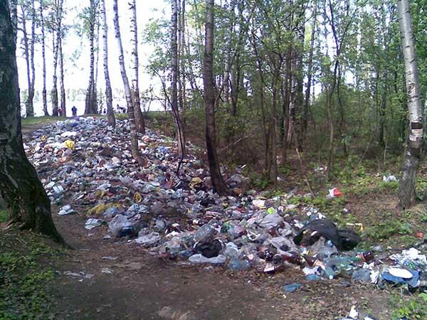 Пластиковая река в Подмосковье