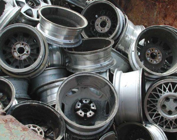 Использованные плюминиевые колесные диски