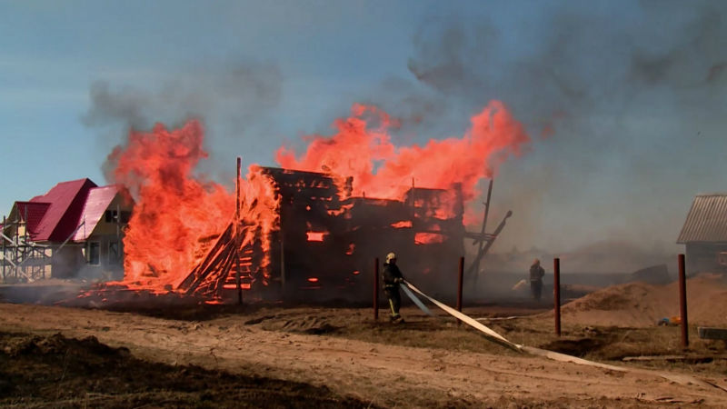 Пожар из-за пождога сухой травы